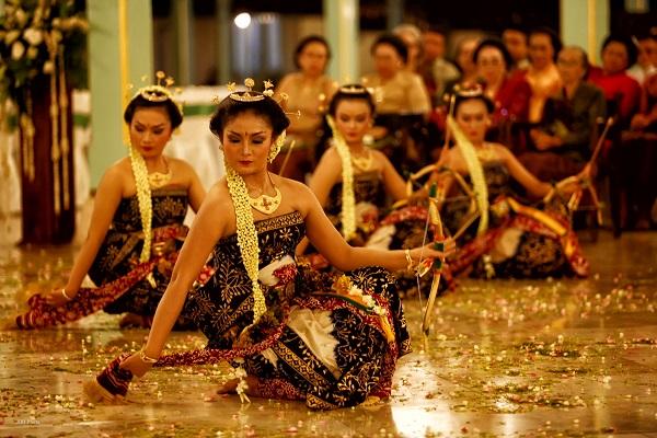 Pertunjukan Seni Di Keraton Yogyakarta