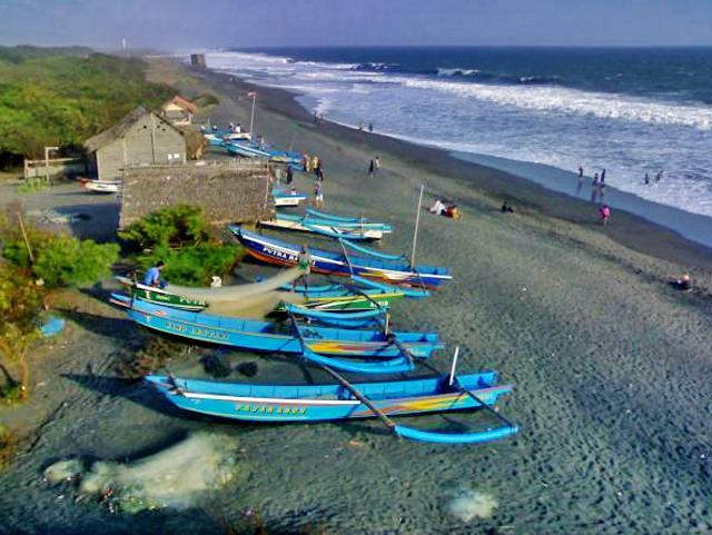 Pantai Kuwaru