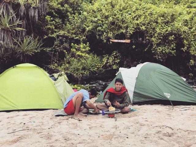 Camping Di Pantai Gunung Kidul