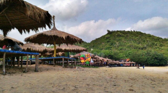 Gazebo Di Pantai Drini
