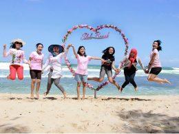 Spot Foto Love Di Pantai Slili Kekinian
