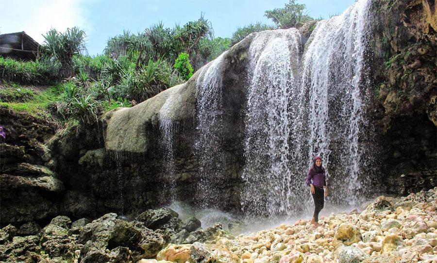 Air Terjun Pantai Jogaj